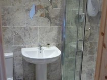Tigh Faire Double Bedroom Ensuite Shower room
