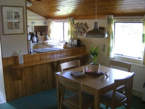 Garden Lodge Tobermory dining kitchen
