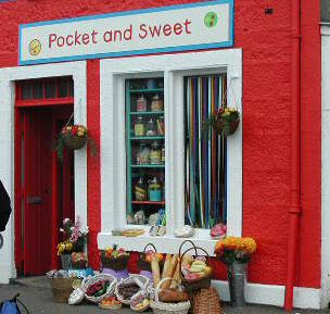 Pocket and sweets shop in Balamory